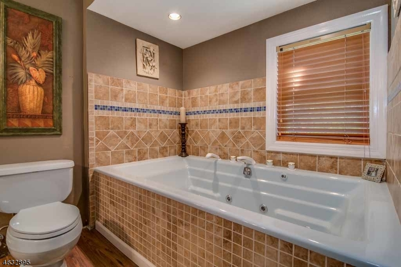 Additional photo for property listing at 14 Old Lake End Road  Newfoundland, New Jersey 07435 États-Unis