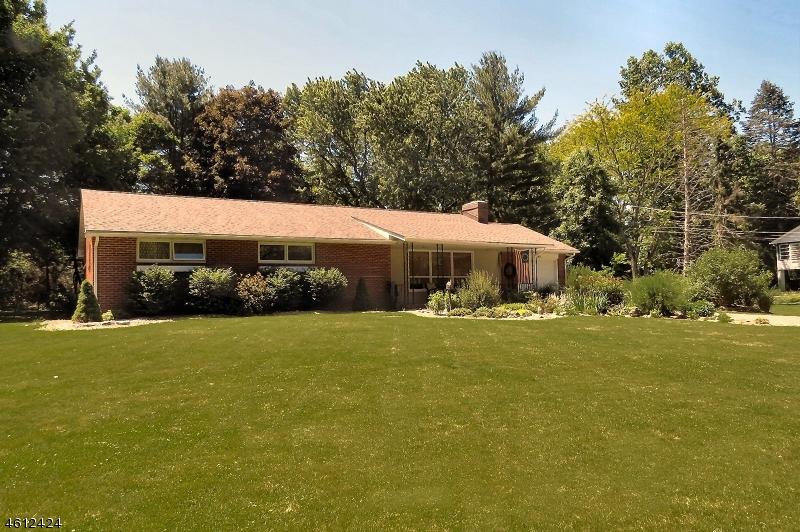 Maison unifamiliale pour l Vente à 163 State Route 94 Blairstown, New Jersey 07825 États-Unis