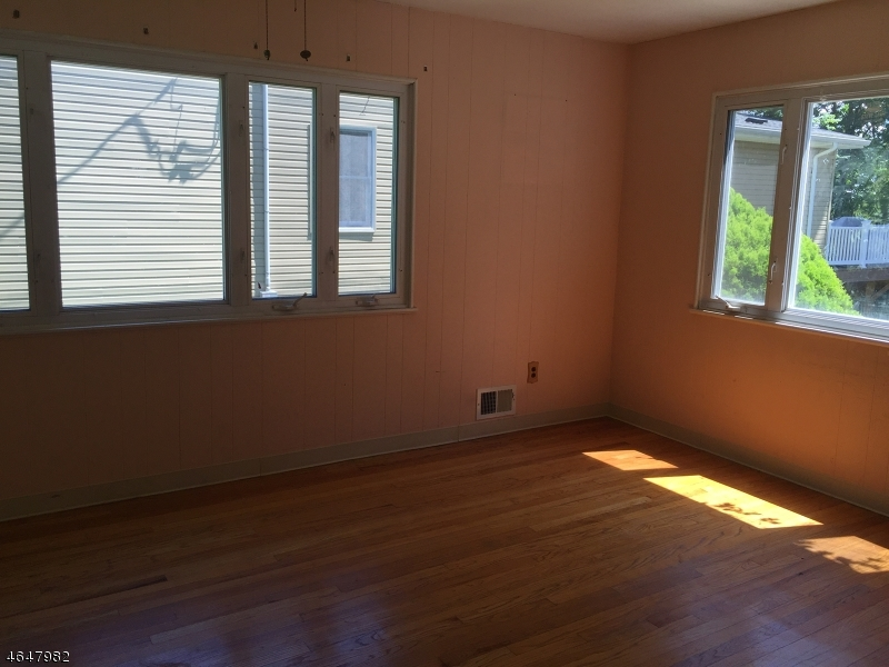 Additional photo for property listing at 34 Seminole Avenue  Rockaway, New Jersey 07866 United States