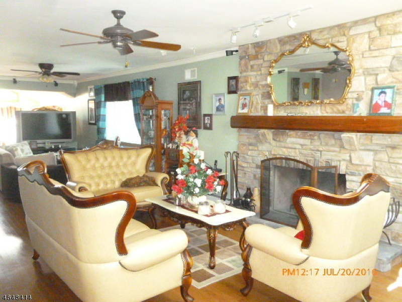 Additional photo for property listing at 219 Union Avenue  Clifton, New Jersey 07011 États-Unis