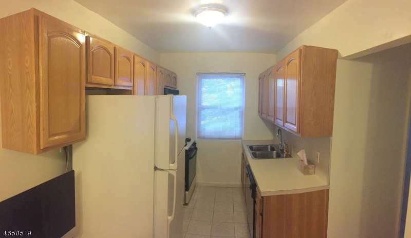 Additional photo for property listing at 1498 West Terrace Circle  Teaneck, New Jersey 07666 United States