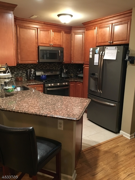 Additional photo for property listing at 3 Vanderhoof Road  Montville, New Jersey 07045 États-Unis