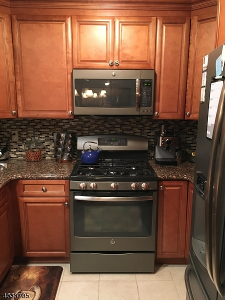 Additional photo for property listing at 3 Vanderhoof Road  Montville, New Jersey 07045 United States