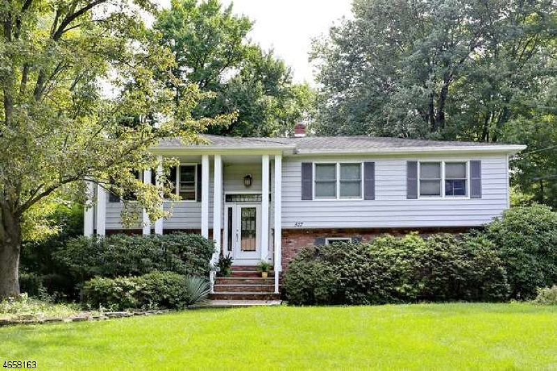 Single Family Home for Sale at 327 FOREST GLEN Avenue Franklin Lakes, New Jersey 07417 United States