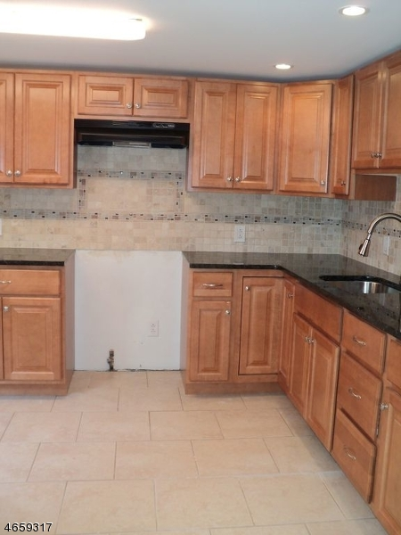 Additional photo for property listing at 35 Hickory Street  Bloomfield, Nueva Jersey 07003 Estados Unidos