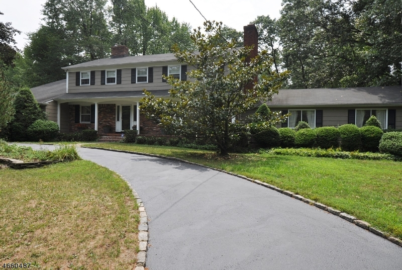 Single Family Home for Sale at 10 HERITAGE LANE Scotch Plains, New Jersey 07076 United States