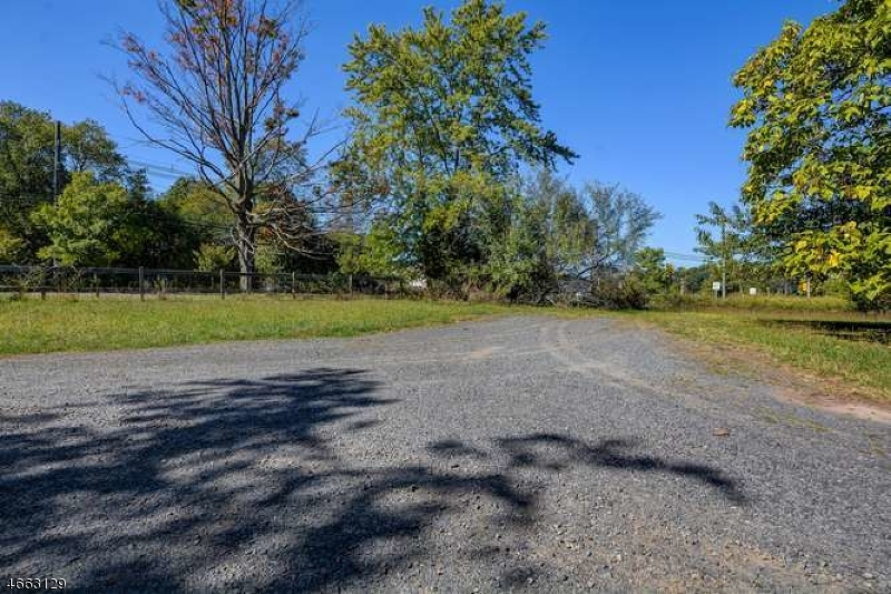 Additional photo for property listing at 1679 S Washington Avenue  Piscataway, New Jersey 08854 United States