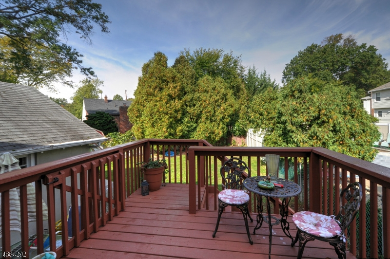 Additional photo for property listing at 1044 Madison Hill Road  Clark, New Jersey 07066 États-Unis