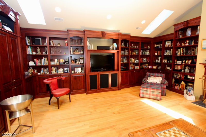 Additional photo for property listing at 235 Cambridge Oaks  Park Ridge, New Jersey 07656 États-Unis