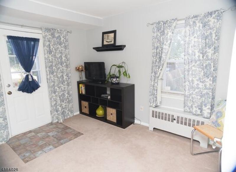 Additional photo for property listing at 145 S 25th Street  Kenilworth, Нью-Джерси 07033 Соединенные Штаты