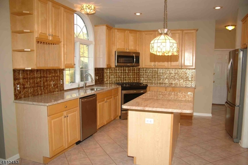 Additional photo for property listing at 27 SCARLET OAK ROAD  Flemington, New Jersey 08822 United States