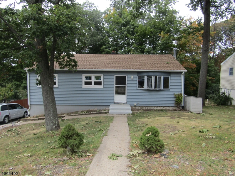 Single Family Home for Rent at 204 Chincopee Avenue Hopatcong, New Jersey 07843 United States