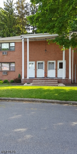 Single Family Home for Rent at 12-G COLONIAL Drive Little Falls, New Jersey 07424 United States