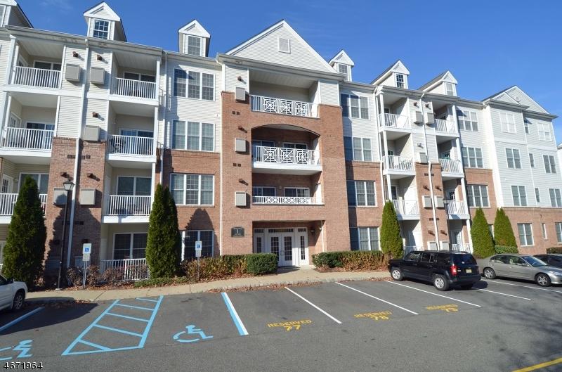 Частный односемейный дом для того Продажа на 1110 Wharton Court Riverdale, 07457 Соединенные Штаты