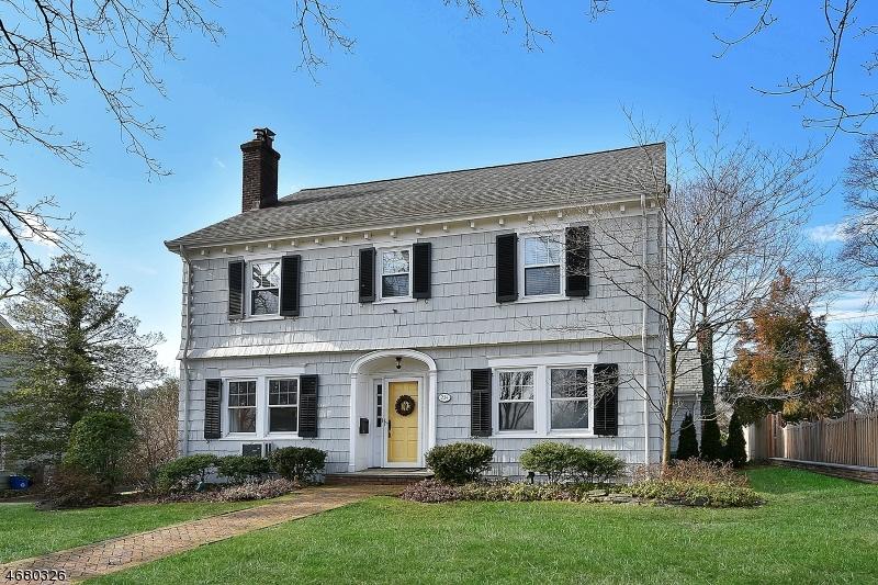 独户住宅 为 销售 在 234 Forest Avenue 格伦岭, 新泽西州 07028 美国