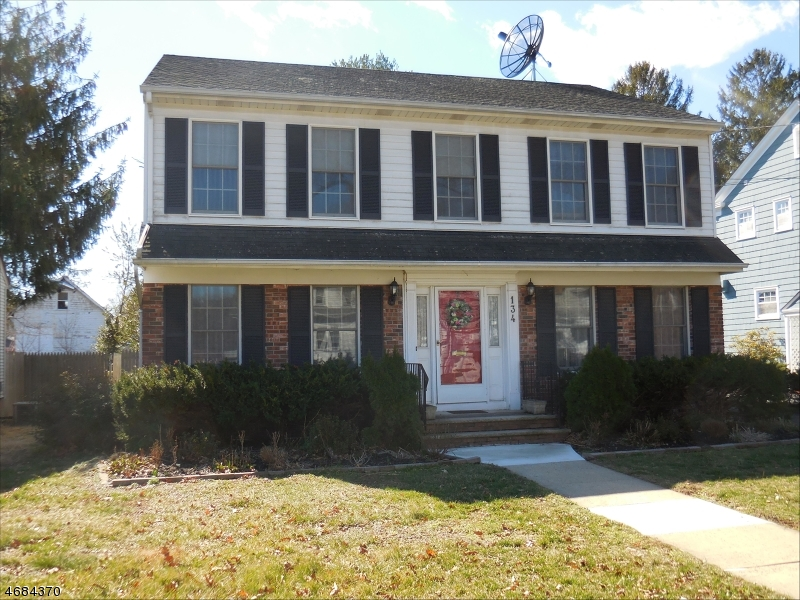 Single Family Home for Sale at 134 Cherry Avenue Bound Brook, 08805 United States