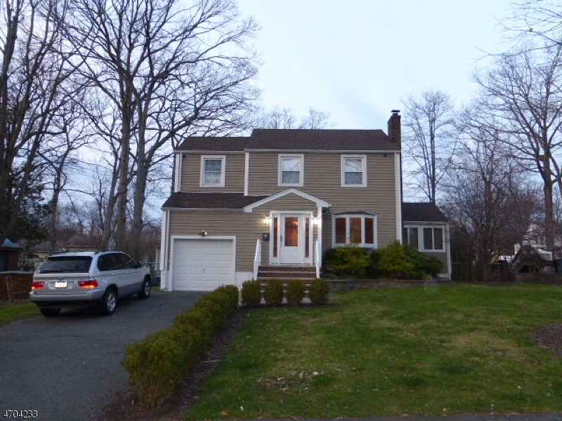 Single Family Home for Rent at 84 Irving Avenue Livingston, New Jersey 07039 United States