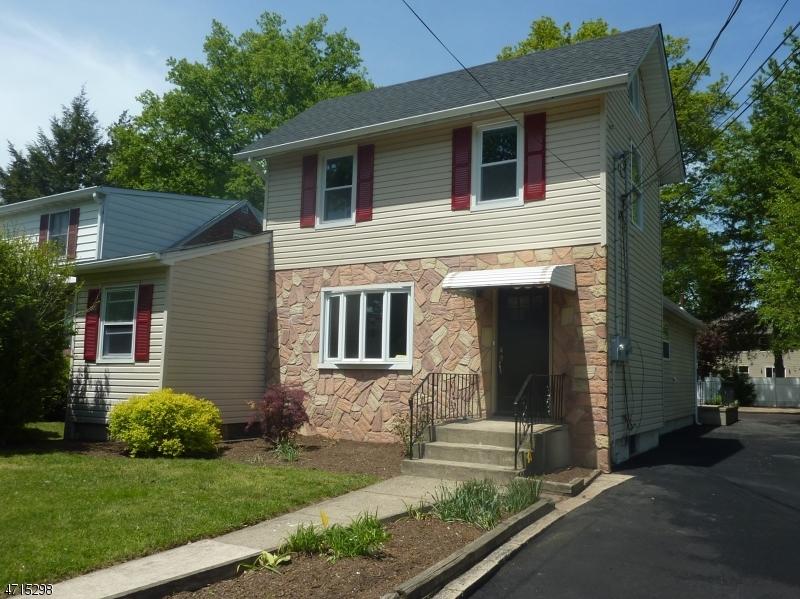 独户住宅 为 销售 在 248 LEXINGTON Avenue 杜蒙特, 新泽西州 07628 美国