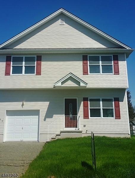 Maison unifamiliale pour l Vente à 235 S 18th Avenue Manville, New Jersey 08835 États-Unis