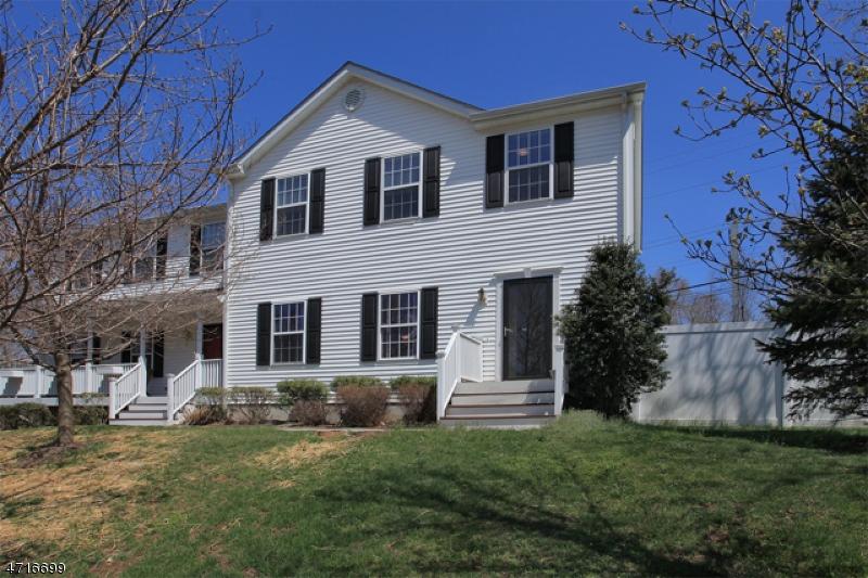 独户住宅 为 出租 在 112-2 PEAPACK Road 法菲尔斯, 新泽西州 07931 美国