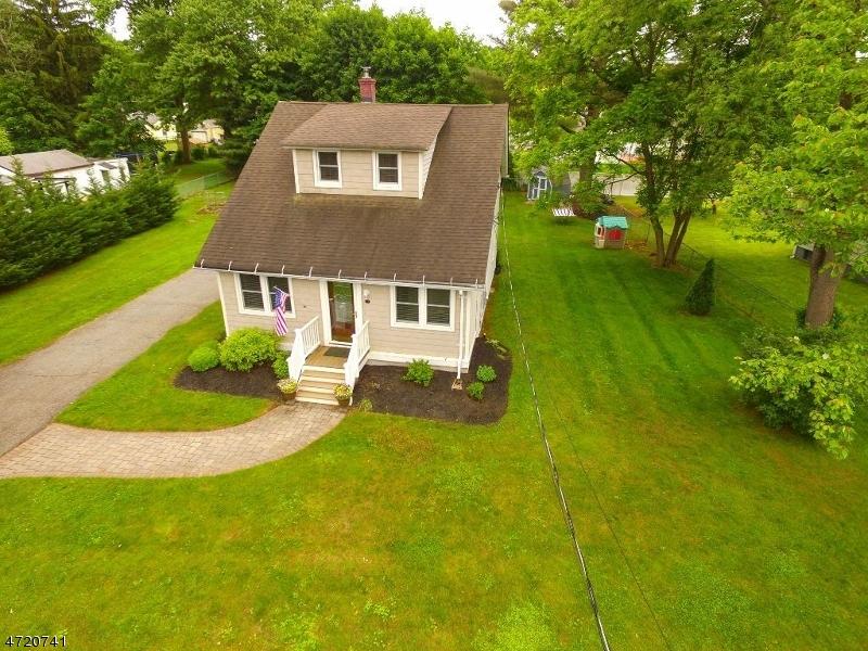 Casa Unifamiliar por un Venta en 94 S FIRST Avenue Kenvil, Nueva Jersey 07847 Estados Unidos