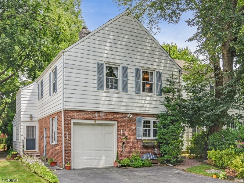 Single Family Home for Sale at 4 Arlington Place Fair Lawn, New Jersey 07410 United States