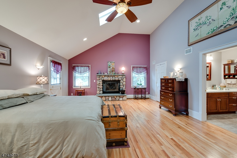 Additional photo for property listing at 24 Earl Street  Denville, New Jersey 07834 États-Unis