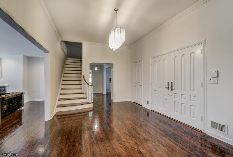 Частный односемейный дом для того Аренда на 22 Fordham Road Livingston, Нью-Джерси 07039 Соединенные Штаты