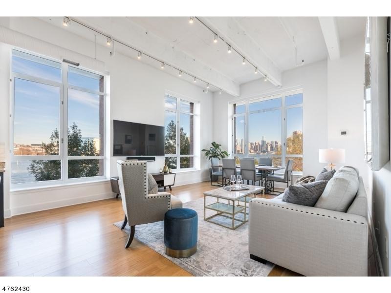独户住宅 为 销售 在 1500 Garden Street 霍博肯, 新泽西州 07030 美国