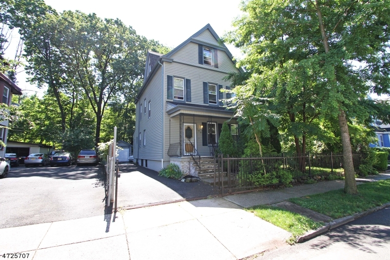 独户住宅 为 销售 在 166 Brighton Avenue East Orange, 新泽西州 07017 美国