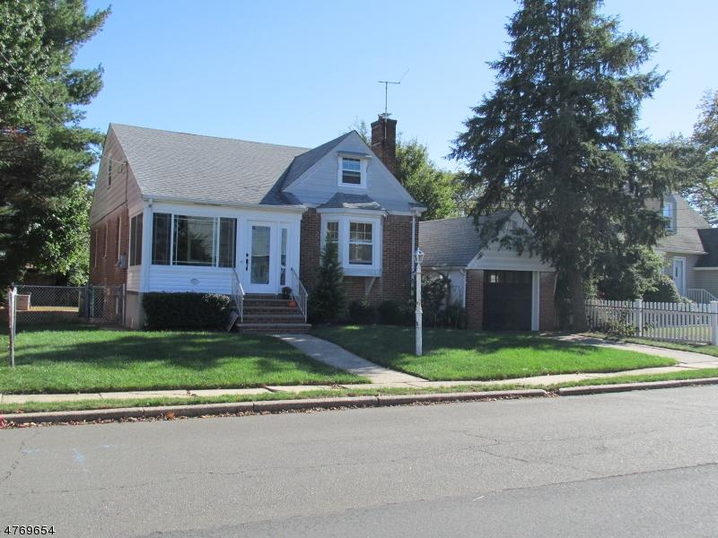 Частный односемейный дом для того Аренда на 125 Harvard Road Linden, Нью-Джерси 07036 Соединенные Штаты