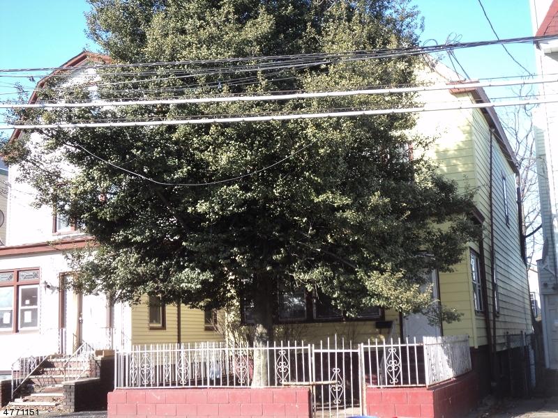 独户住宅 为 销售 在 1125 Grove Street Irvington, 新泽西州 07111 美国