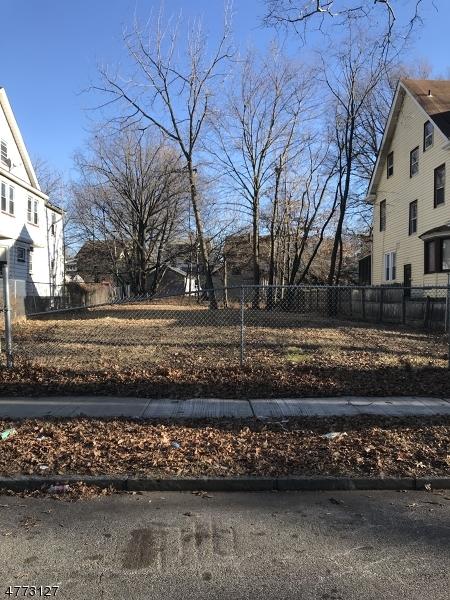 Terrain pour l Vente à Address Not Available East Orange, New Jersey 07017 États-Unis