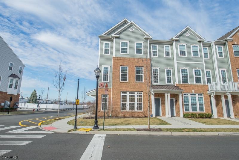 独户住宅 为 销售 在 83 Wesmont Drive Wood Ridge, 新泽西州 07075 美国