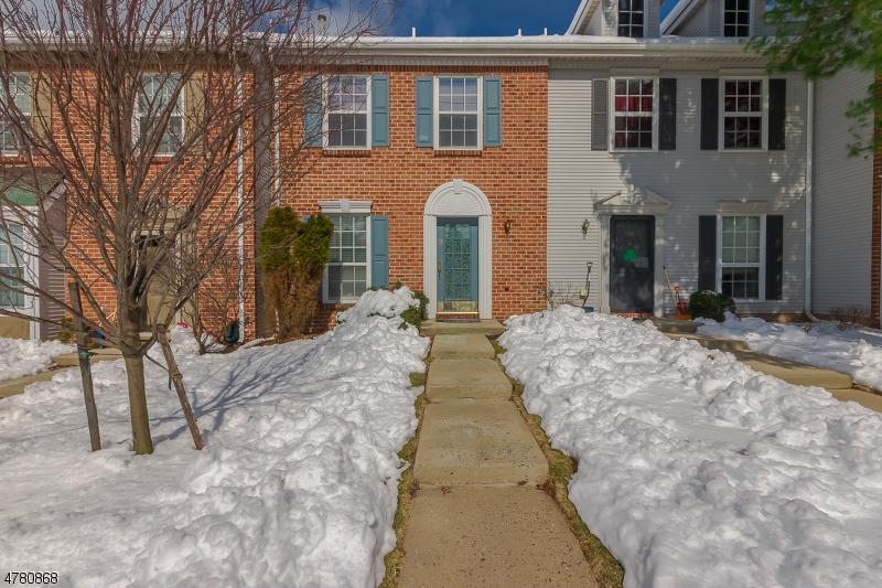 Maison unifamiliale pour l à louer à 52 Amberly Court Franklin, New Jersey 08823 États-Unis