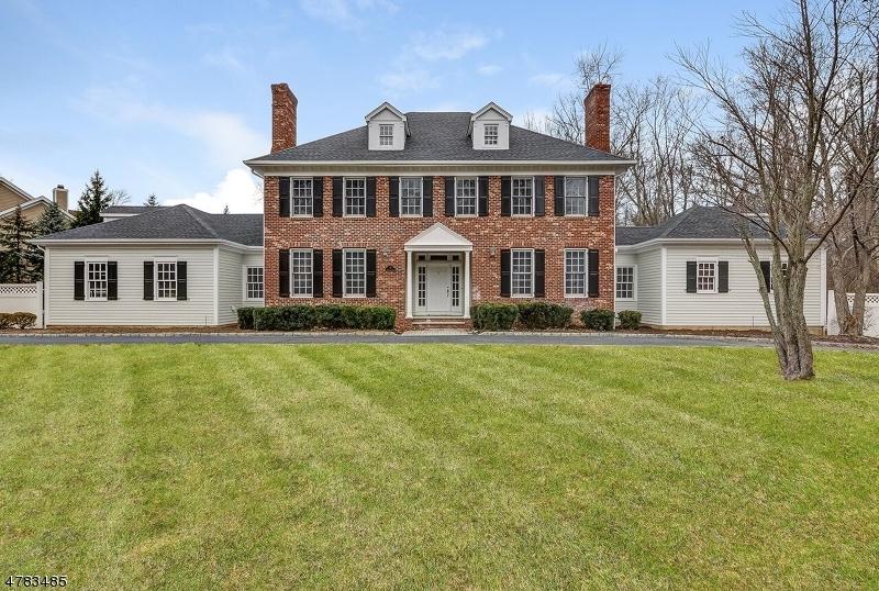 Maison unifamiliale pour l Vente à 5 Heritage Road Florham Park, New Jersey 07932 États-Unis