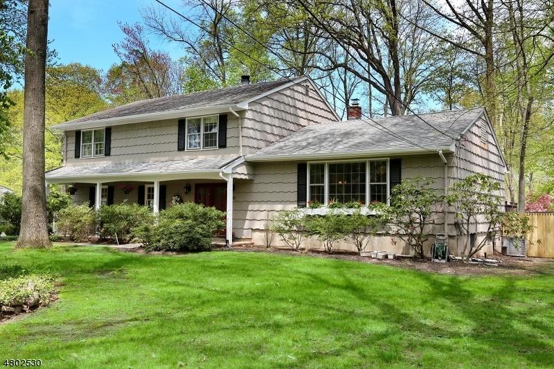Casa Unifamiliar por un Venta en 20 Stone Fence Road Allendale, Nueva Jersey 07401 Estados Unidos