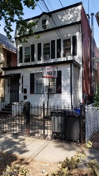 多戶家庭房屋 為 出售 在 Address Not Available Newark, 新澤西州 07104 美國
