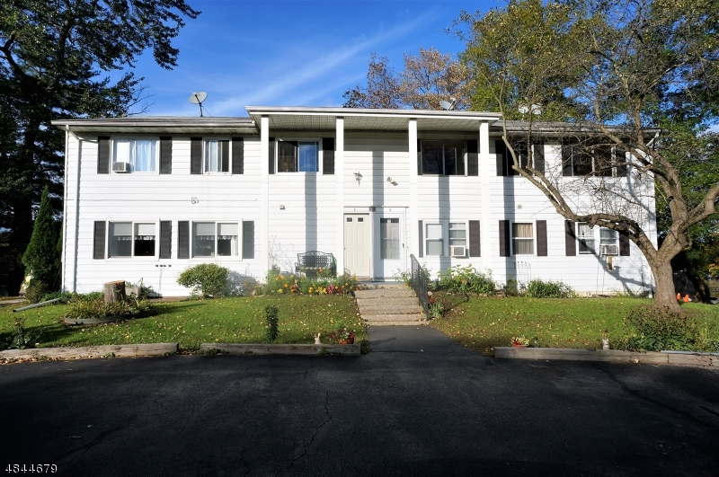 Condo / Townhouse for Sale at 113 North Shore Point Montague, New Jersey 07827 United States
