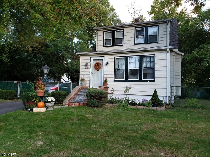 Single Family Home for Sale at 42 MACKAY Avenue Paramus, New Jersey 07652 United States