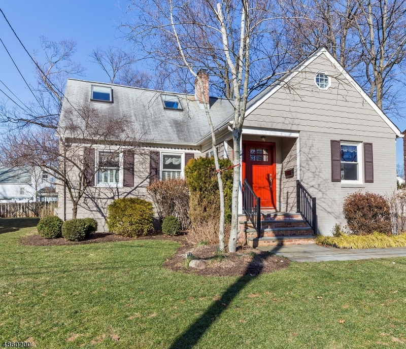 Single Family Home for Sale at 202 VINTON CIR 202 VINTON CIR Fanwood, New Jersey 07023 United States