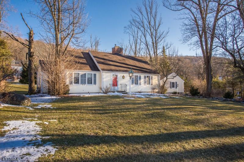 Villa per Vendita alle ore 10 CEDAR WAXWING Road Allamuchy, New Jersey 07840 Stati Uniti
