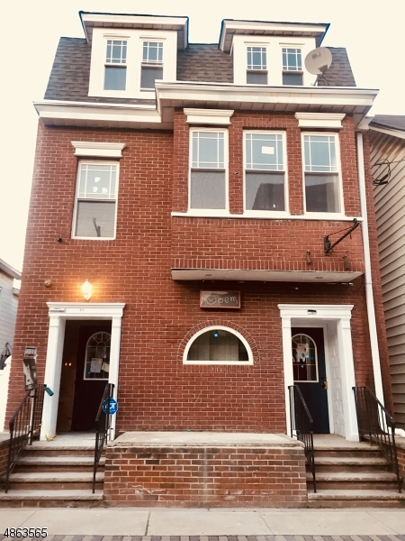 Villas / Townhouses for Sale at 511 S MAIN ST Phillipsburg, New Jersey 08865 United States