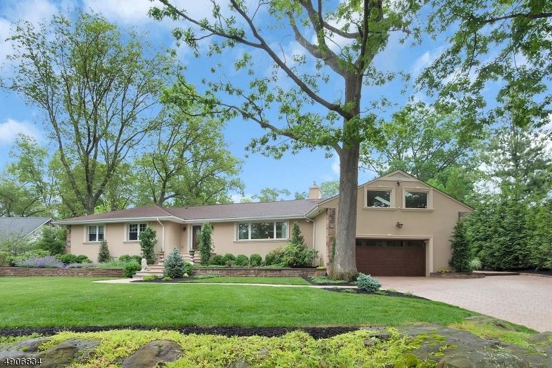 single family homes для того Продажа на Little Falls, Нью-Джерси 07424 Соединенные Штаты