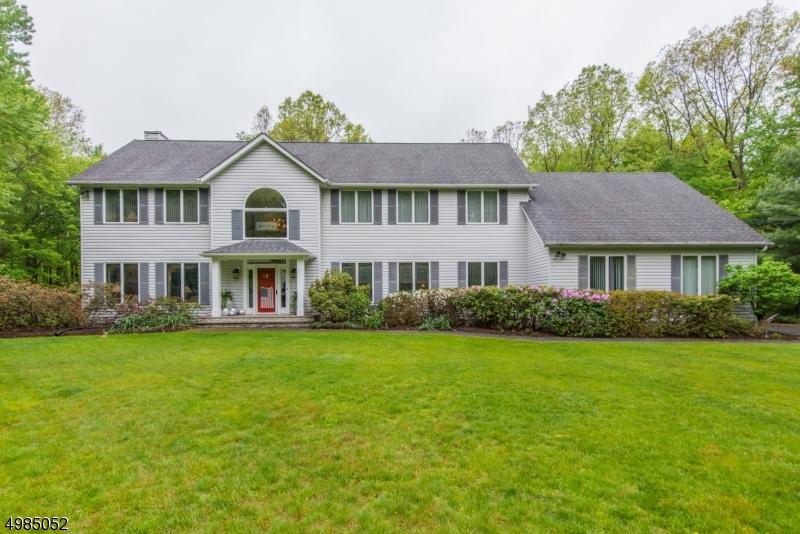Single Family Homes 为 销售 在 Byram Township, 新泽西州 07821 美国