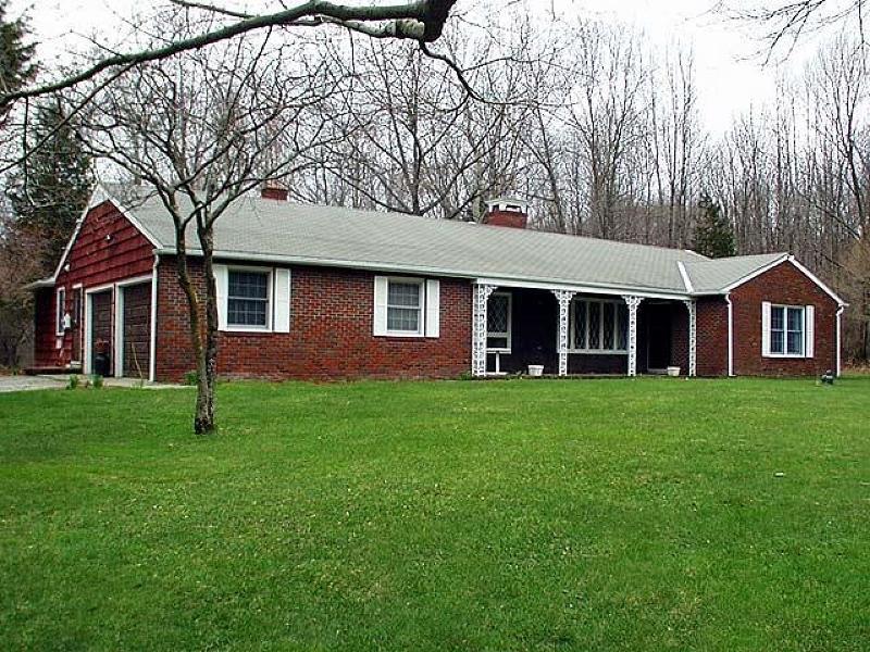 Частный односемейный дом для того Продажа на 14 HUNTSVILLE Road Newton, Нью-Джерси 07860 Соединенные Штаты