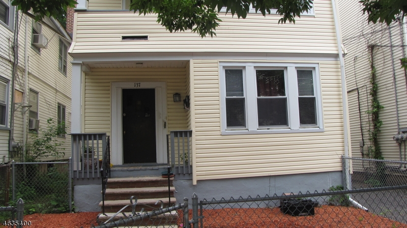 Additional photo for property listing at 137 Willowdale Avenue  Montclair, New Jersey 07042 États-Unis
