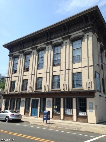 Частный односемейный дом для того Аренда на 71-75 N Main Street Lambertville, 08530 Соединенные Штаты