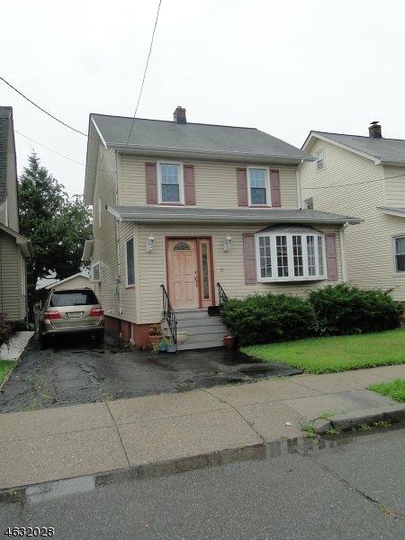 Additional photo for property listing at 31 E 9th Street  Clifton, Nueva Jersey 07011 Estados Unidos