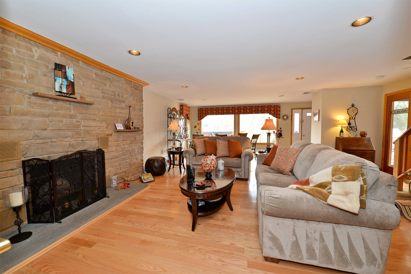 Additional photo for property listing at 8 Dehart Avenue  Hewitt, Нью-Джерси 07421 Соединенные Штаты